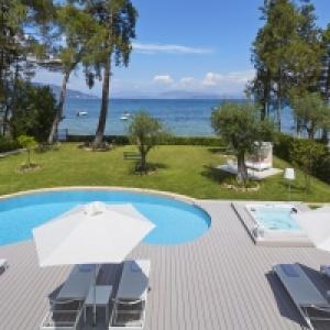 Beachfront Villa Dampia